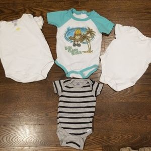 4 onsies size 6 month